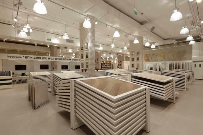 ביקור באולם התצוגה מסייע במציאת פתרונות עיצוביים לבית בכלל ולחדר האמבטיה בפרט (צילום יח