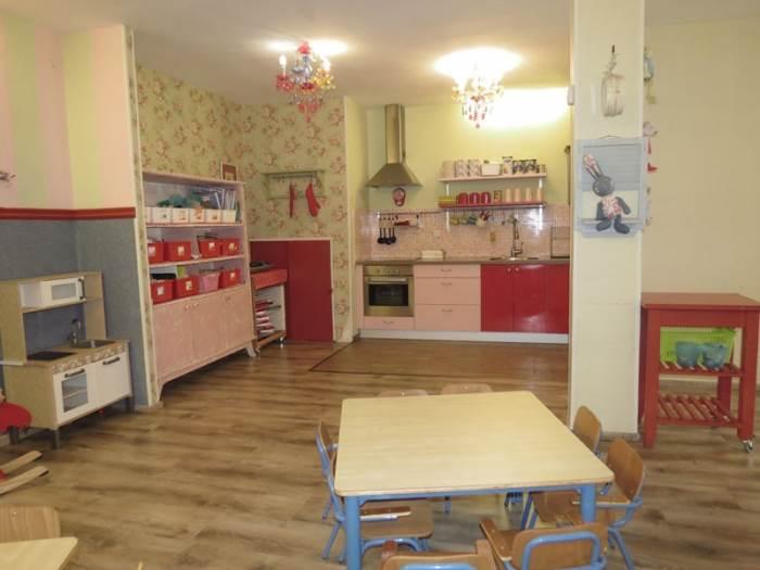 רצפת הפרקט, צבעי הפסטל, אביזרי העיצוב מעץ- כולם תורמים למראה הוינטג