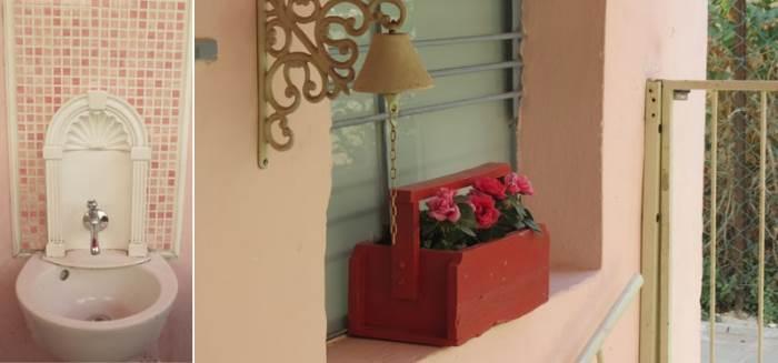 כבר בכניסה לגן ניתן לראות את החשיבה על הפרטים הקטנים המתבטאת, בין היתר, בפעמון המיוחד לדלת או בכיור הקטן לשטיפת ידיים הממוקם בסמוך לחצר.