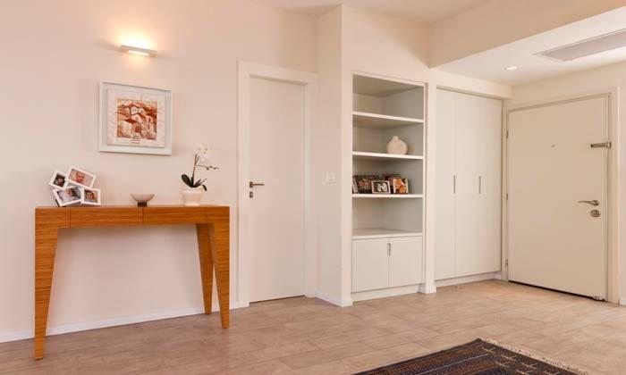 הכניסה לדירת הנופש - אפילו הדלתות הוחלפו בדלתות פרימיום של דלתות פנדור