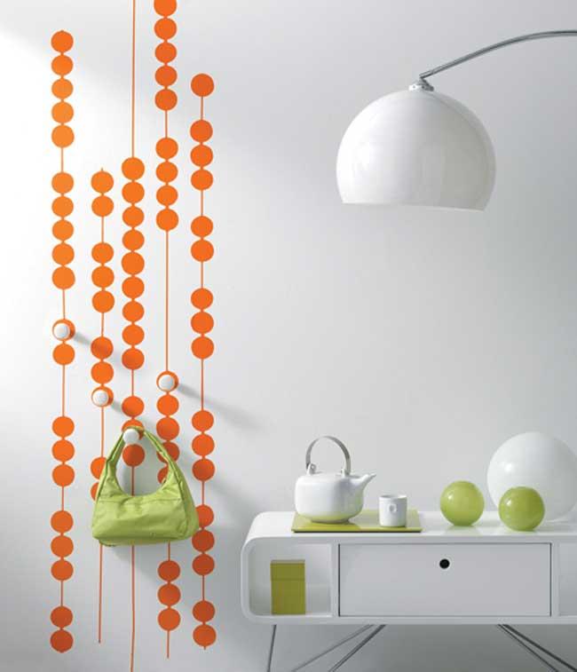 מדבקות מעוצבות לבית בכל מיני צבעים. צילום: גולדשטיין גלרי טפט