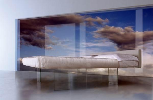 חולמים לישון על מיטה שקופה? נטורה רהיטי יוקרה מציעה לכם 30% הנחה על שלל מוצרים