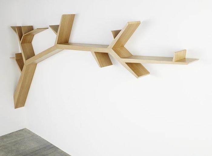 מדפים בצורת עץ. יצירת אמנות בפני עצמה. עיצוב:Olivier Dolle
