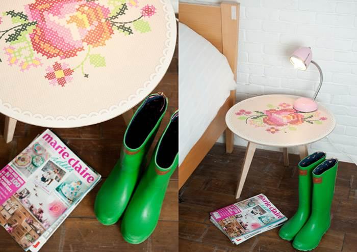 שולחן לצד מיטה עם אלמנט גראפי מודפס על פורמייקה. עיצוב: סטודיו טווילינגן. צילום: דנה ישראלי.