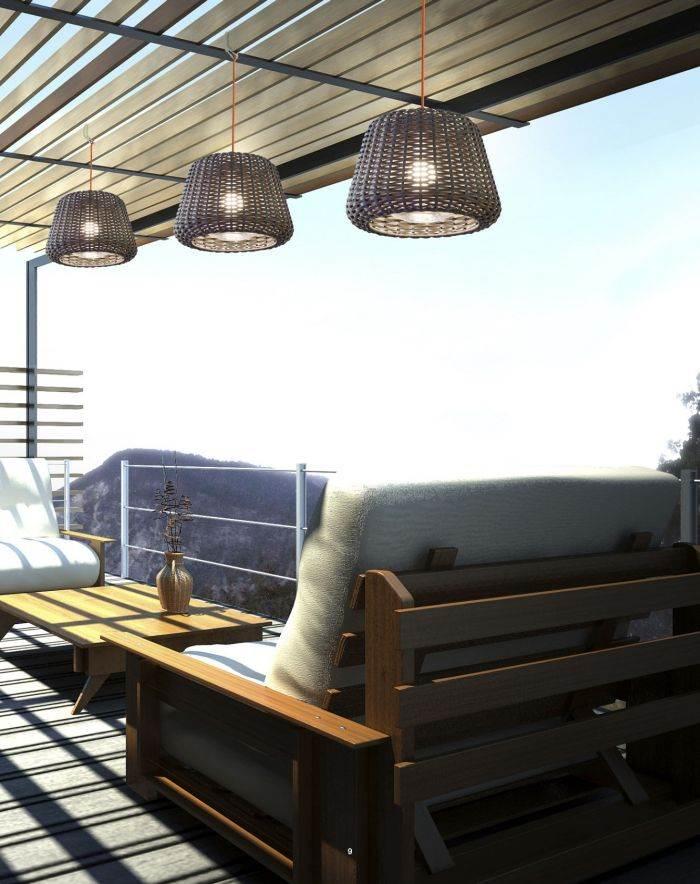 """תאורה נעימה למרפסת מבית קמחי תאורה. צילום: יח""""צ"""