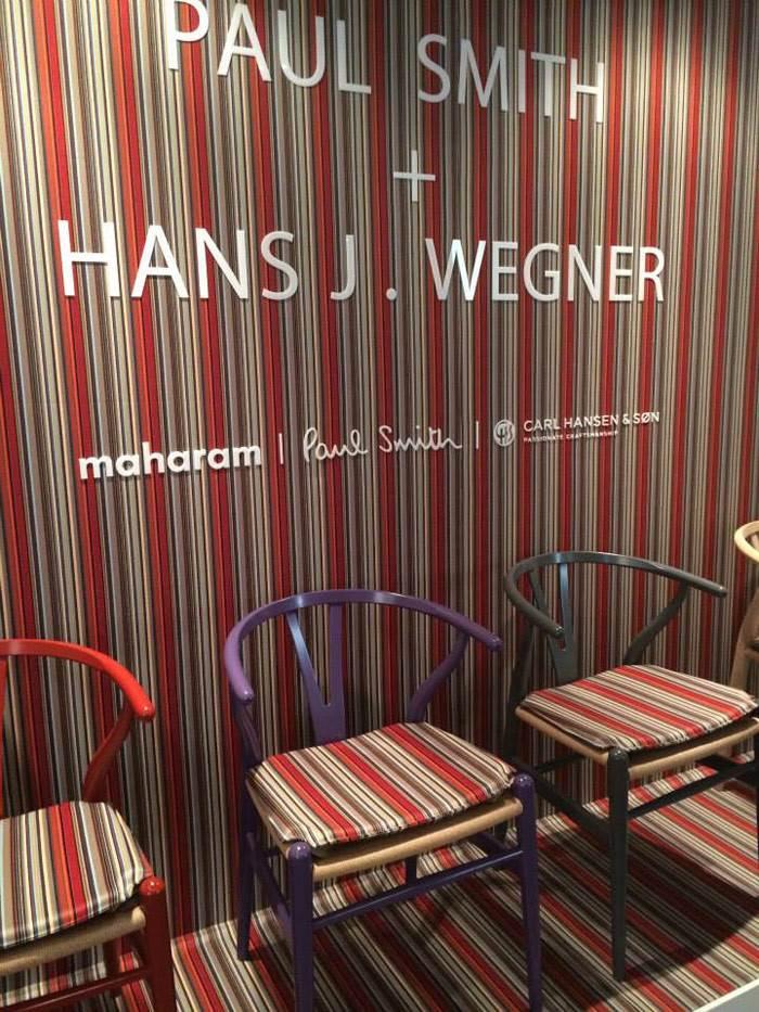 היישר מהתערוכה האחרונה במילאנו: שיתוף פעולה בין החברה הדנית CARL HANSEN למעצב האופנה PAUL SMITH, שיצר קולקציית בדים חדשה לרגל 100 שנה להולדתו של המעצב הדני HANS WEGNER (בשיתוף עם חברת הטקסטיל MAHARAM).