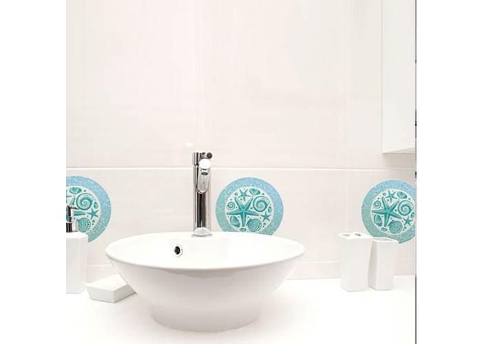 אפילו מדבקת קיר יכולה לעשות את ההבדל בחדר הרחצה. מדבקת קיר של חברת Look.co.il. צילום: באדיבות חברת Look.co.il