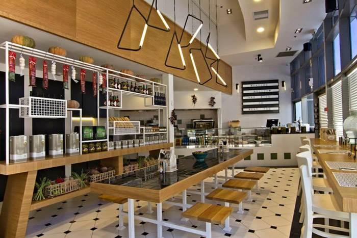 אוסף של אובייקט אור 001 בתקרה ואובייקט קיר בהתאמה אישית. מסעדת SANDWICH.