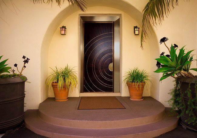 לקבל את הדרום עם דלת מעוצבת: רשפים דלתות פלדה