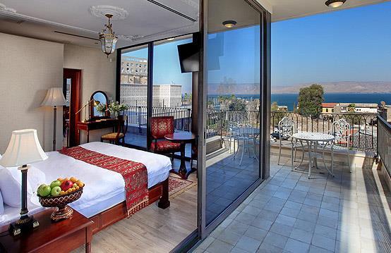 מלון הבוטיק אירופה בטבריה. כל תכולת המלון נרכשה בהליך יבוא אישי מסין. צילום: יבוא 4 יו