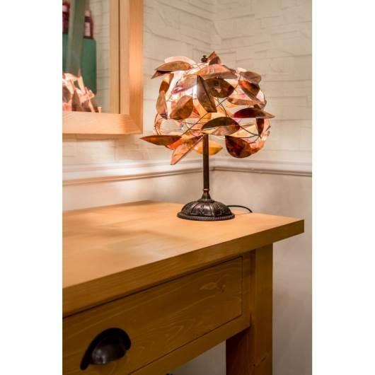מנורת שולחן עלים נחושת. צילום: איפאה