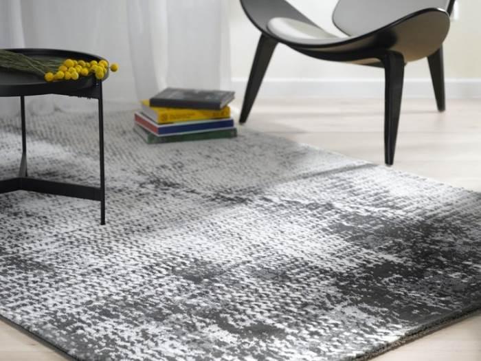 סגנון קלאסי ויוקרתי: שטיח אקוורל. צילום: ישראל כהן