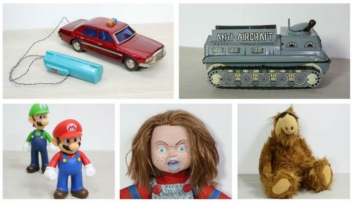 מגוון צעצועים ודמויות