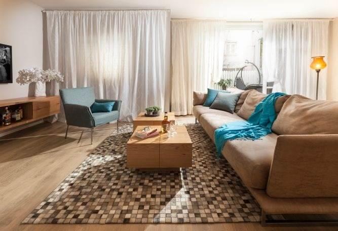 שיפוץ סלון מחדש באווירה ביתית וחמה של המעצבת מיטל צימבר