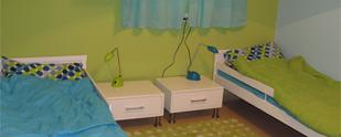 עיצוב חדרי ילדים: חלל אחד, שני בנים, שלושה צבעים