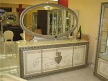 רהיטי מוביליה - מזנון עם מראה