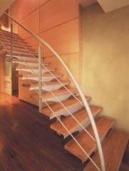 מדרגות עץ - קו נבון