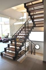 מדרגות בעיצוב קלאסי - קו נבון