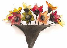 מנורת קיר זר פרחים - יהודה אוזן