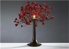מנורת שולחן אדומה