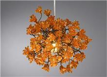 מנורת פרחים כתומים