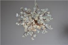 מנורה בעיצוב פרחים