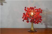 מנורה אדומה לשולחן - יהודה אוזן