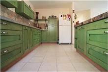 ארון מטבח ירוק