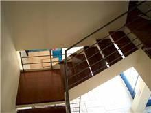 מדרגות בתוך הבית