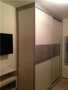 ארון הזזה עם 2 דלתות