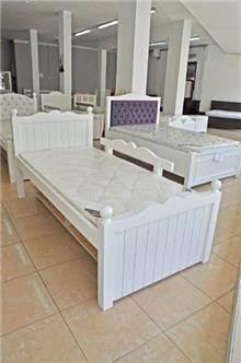 מיטת ילדים לבנה