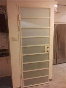 דלת בלגית משולבת