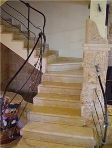 מדרגות אבן