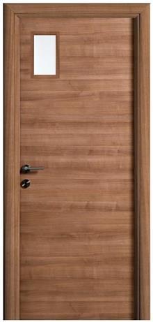 דלת מרבלה עם צוהר קטן