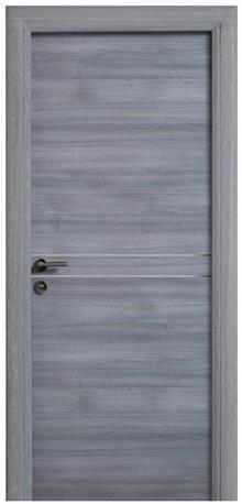 דלת אפורה מעוצבת