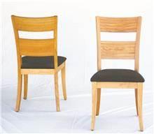 כסאות בגוון אלון