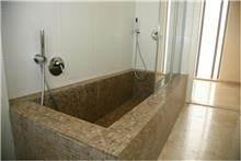 אבני ניצן - אמבטיה