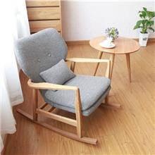 כסא נדנדה מעץ ליון