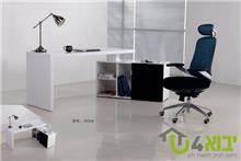 יבוא 4 יו - שולחן מחשב מעוצב