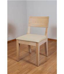 כסא עץ מלא בהיר