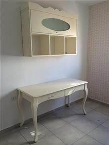 מיקול רהיטים - שולחן כתיבה מעוצב וכוורת