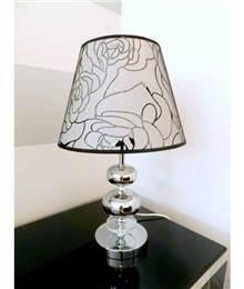 מנורת שולחן עם כדורי כסף - רקפת ספיר R.H.S
