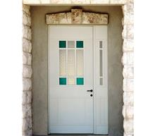 """אלומטל מעטפת לבניין בע""""מ - דלת לחזית הבית"""