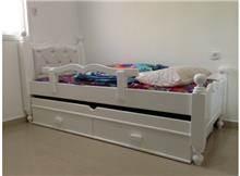 מיטה לילדים מעץ