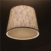 מנורה עם אהיל בד מעוטר