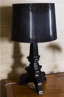 מנורת שולחן שחורה - רזיאל תאורה