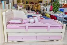 מיטת נוער סטפני