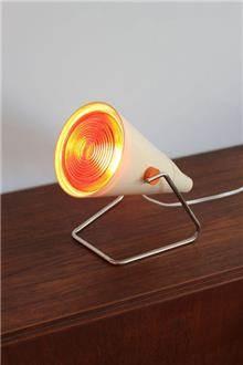 מנורה וינטאג' עם אור אדום - Fibers