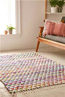 שטיח צבעוני ארוג - Fibers