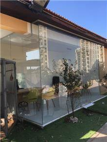 זאב זכוכית - חלונות ויטרינה מעוצבים